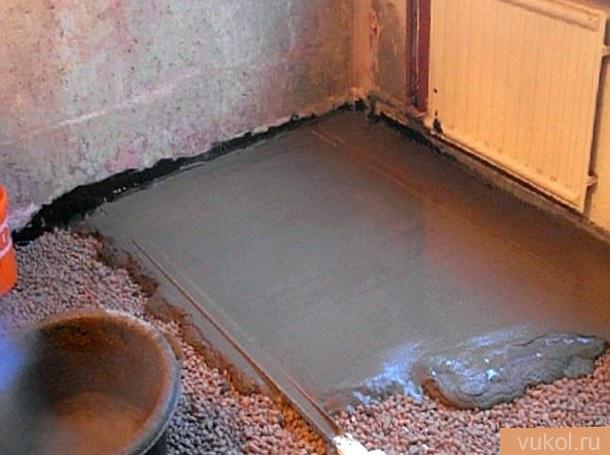 Цементный пол в гараже