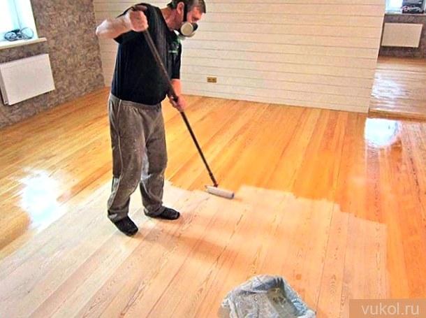 Как покрыть древесный пол лаком