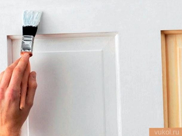 Как правильно выкрасить дверь