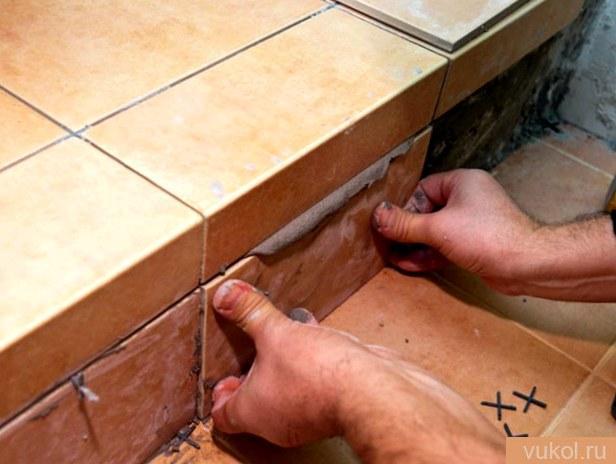 Облицовка плиткой ступеней