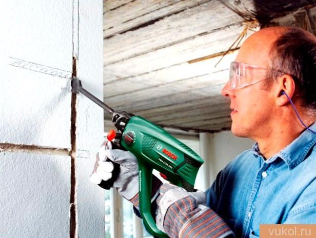 Штробление стенок под проводку