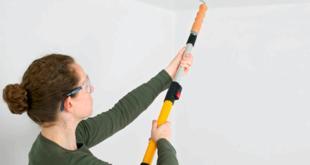 Покраска потолка водоэмульсионной краской средством валика