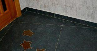 Установка глиняного плинтуса для пола