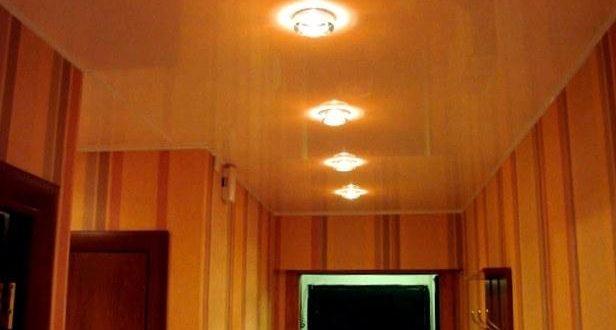 Нужен ли натяжной потолок в коридоре