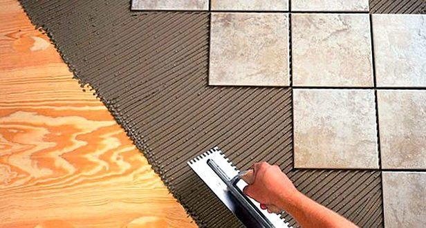 Укладка плитки на древесный пол