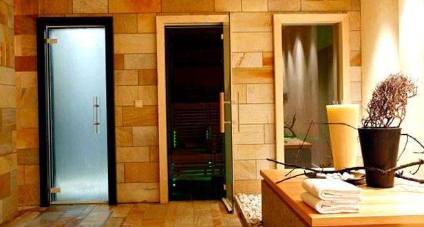 Стеклянная дверь для сауны