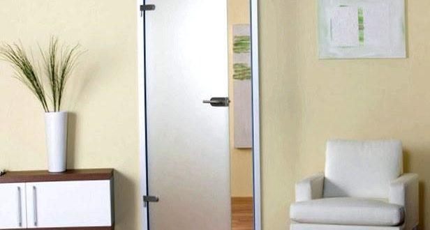 Установка стеклянных дверей